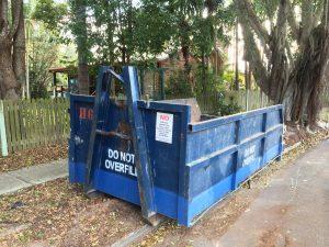 Heavy duty hook bin with a 4 tonne weight load